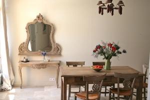 maison rose salle de musique. Black Bedroom Furniture Sets. Home Design Ideas